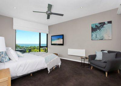 interior-design-mornington-peninsula-BarklyMornington_main-bedroom