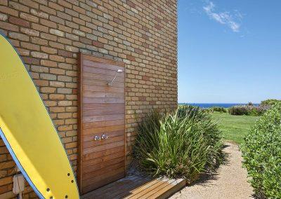 interior-design-mornington-peninsula-outdoor shower